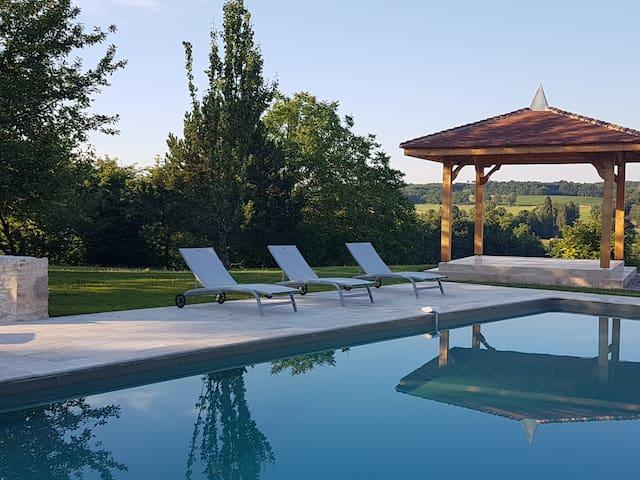 Fabulous, Tranquil & Fun - Pool & Yoga Pavilion