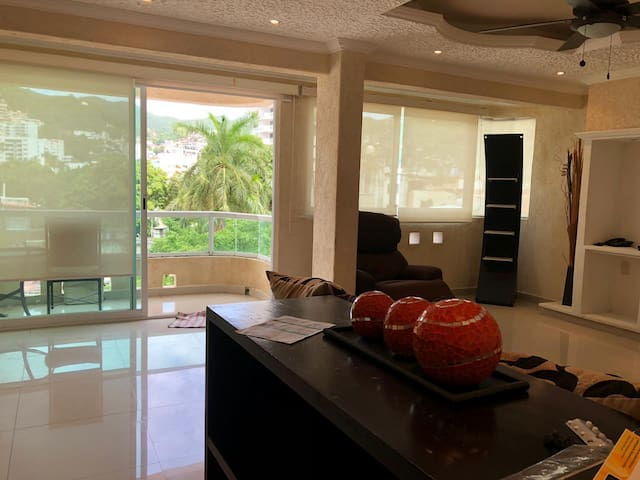 Cómodo y muy céntrico cuarto en Acapulco