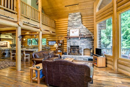 Luxury Log Cabin in Sierra Foothill - Rumah