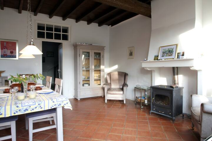 Charming 4-bed house with private terrace