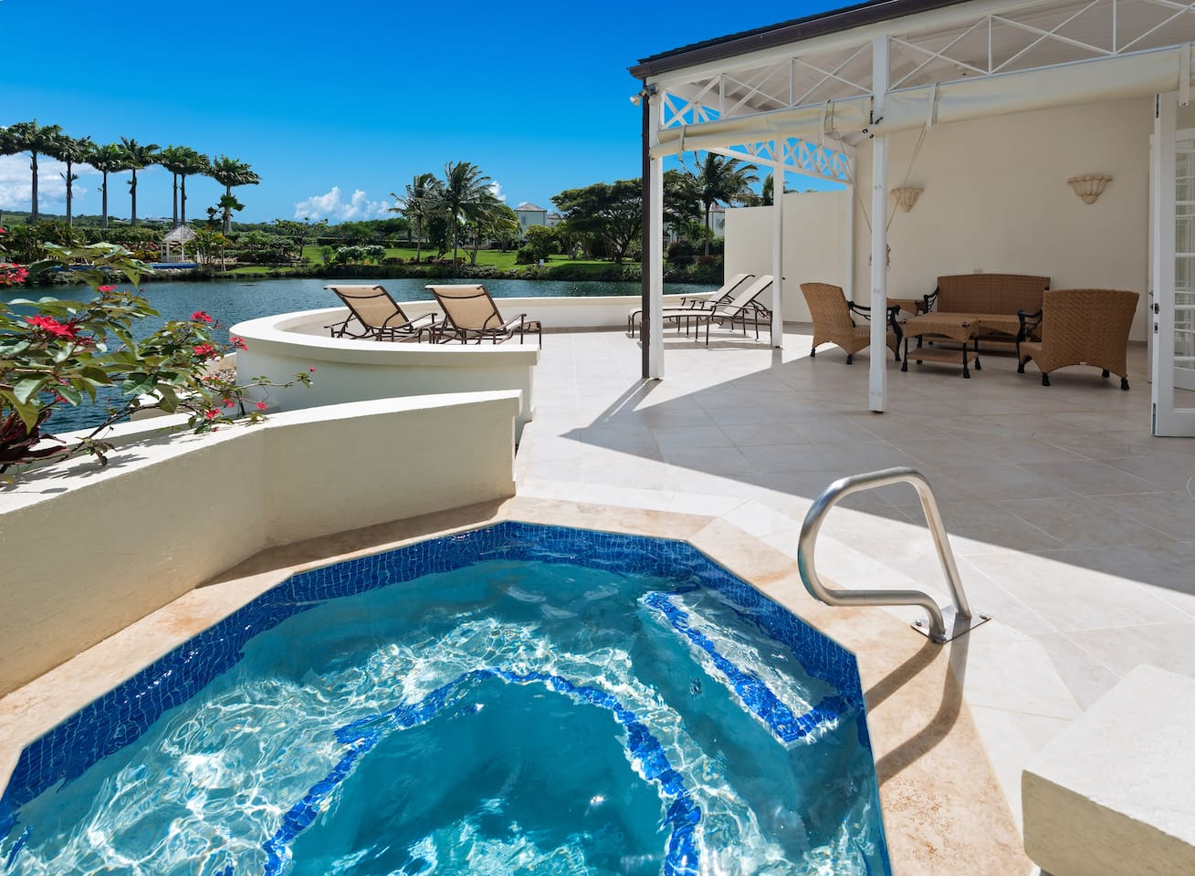 Private Patio with plunge pool