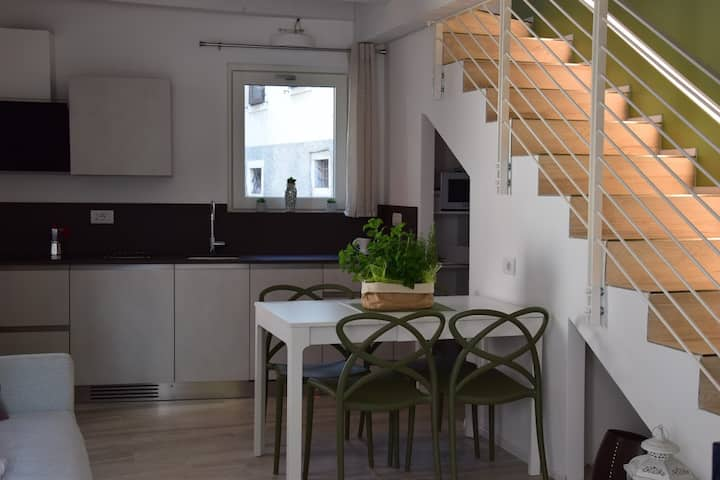 Independent townhouse 1 km from downtown Arco