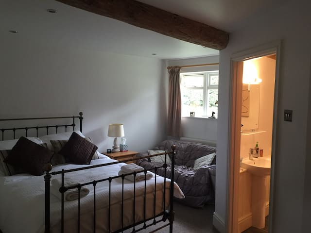 Spacious 1 Bed Barn Apartment, over 2 floors - Leicestershire - Byt