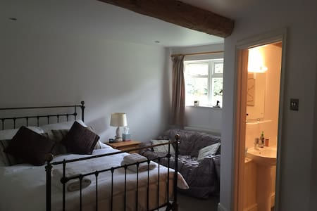 Spacious 1 Bed Barn Apartment, over 2 floors - Leicestershire - อพาร์ทเมนท์