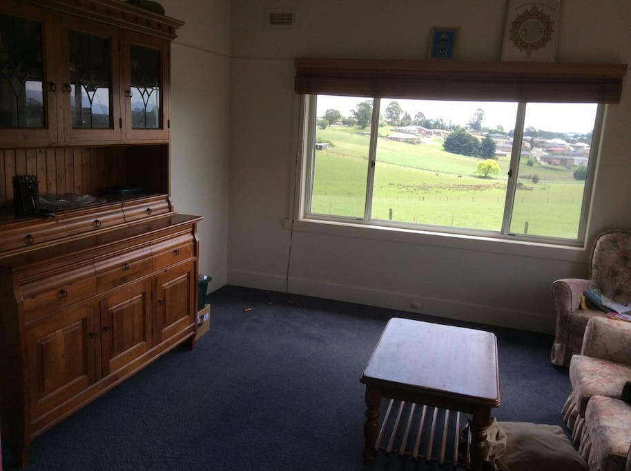 Sitting room with beautiful views across the valley to the outskirts of Drouin.