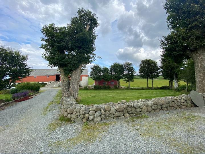 Peaceful Farmhouse for the Summer