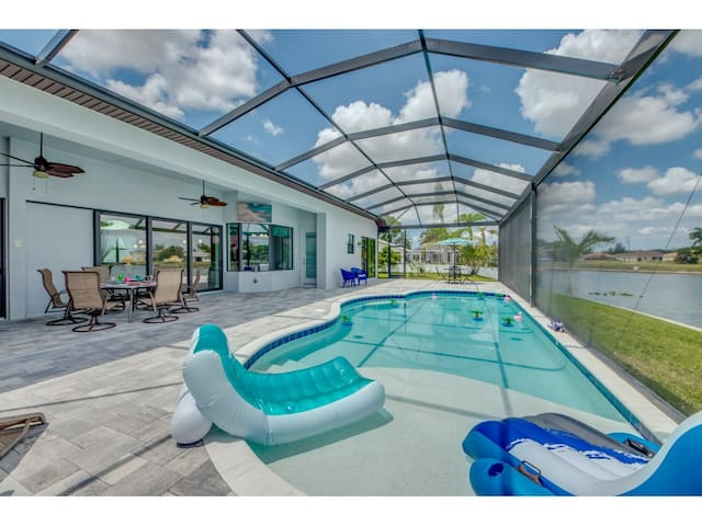 Roelens Vacations - Villa Lake Kennedy - Cape Coral, Fl
