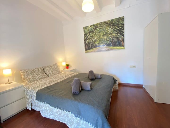 Room for 4 people in Gothic Quarter