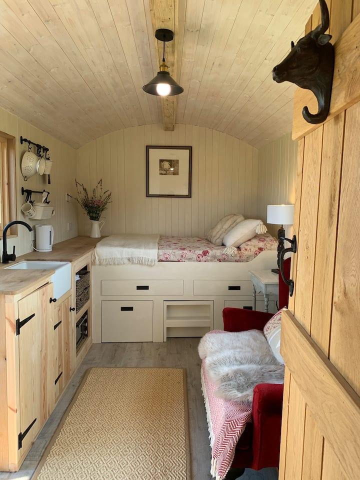 Stonesfield Shepherd's Hut