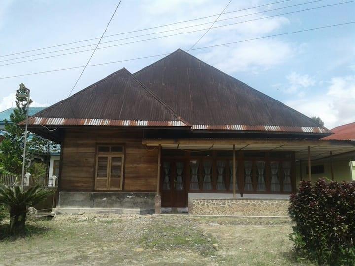 Rumah Nek Agus