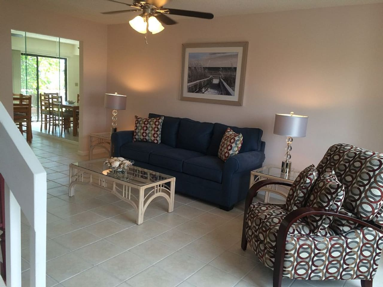 Large, Beautifully decorated Living area, Sofa Bed, Recliner Chair, extra seating
