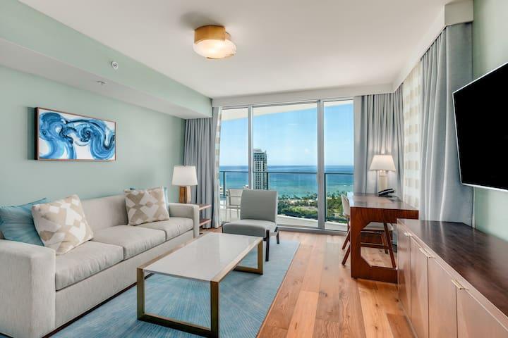 Real Select Vacations Premier 3 Bedroom Suite at Ritz Carlton Waikiki