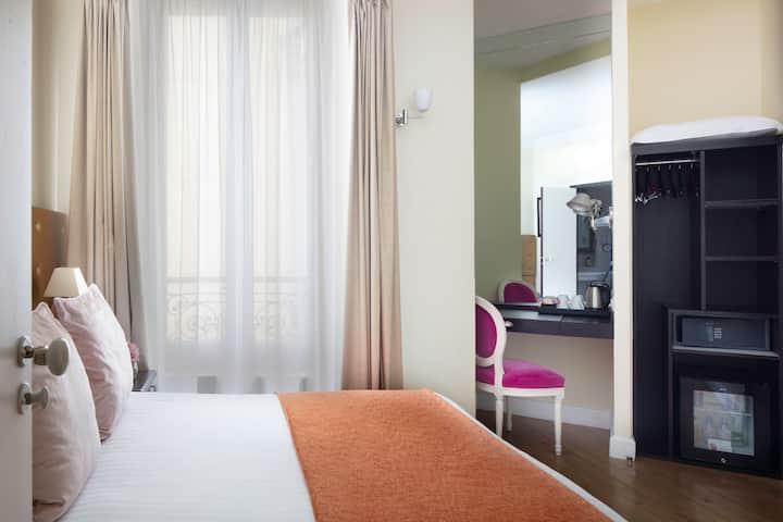 Le 123 Elyseesホテル**** シングル- 無料朝食サービス