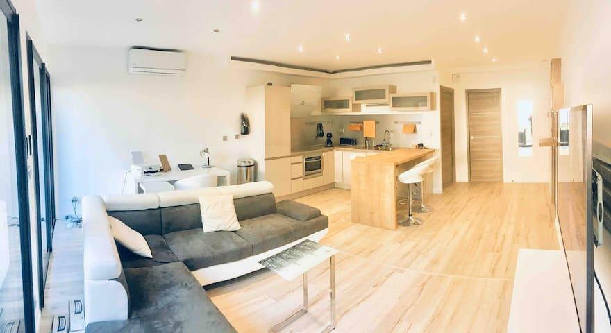 Appartement NEUF avec jardin Lyon  Métro à 400m