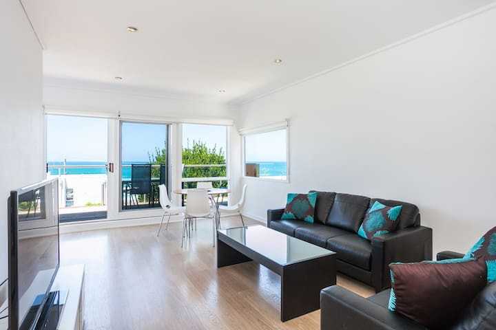 Lorne Beach Accom Apt2