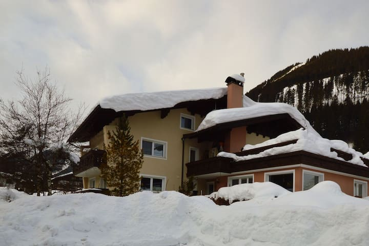 Cozy Apartment in Lermoos with Ski-lift Nearby
