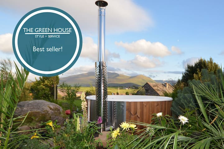 THE GREEN HOUSE - Spectacular views from HOT TUB!