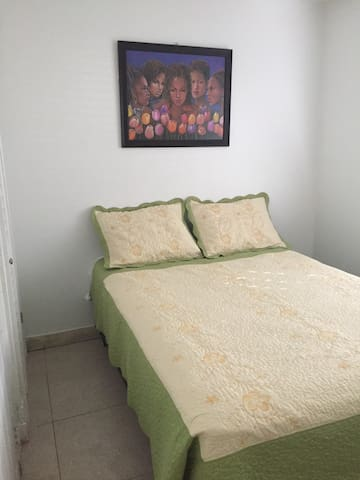 Quiet and Comfortable Room # 3 - Miami
