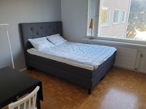 Apartment 7min away from city center by metro