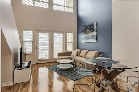 Upscale 1-bed downtown condo; walk to Vivint Arena - 盐湖城 - 公寓