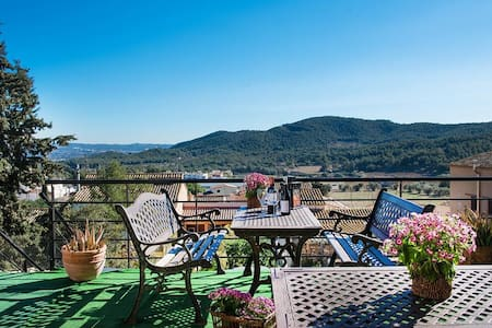 Villa Ronda in the mountains of Tarragona, only 7km from the beach! - Tarragona - Villa