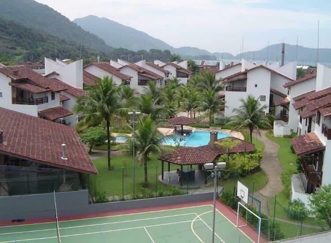 Apartamento em Condomínio Fechado Ubatuba.