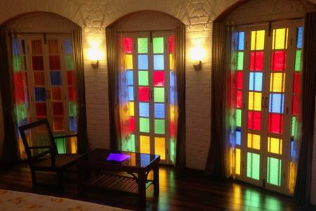 Maharaja Deluxe Room (in ROSE Heritage Home) - Varanasi - Bed & Breakfast