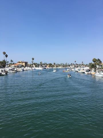 Long Beach Cozy Ocean View/Beach Front Flat!