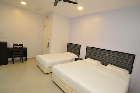 Weston-Triple Room with wifi (town) - Mentakab - Rumah