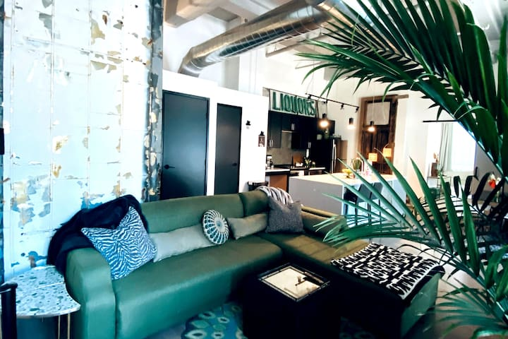 Newly Constructed ★ Vintage Style Loft with Patio