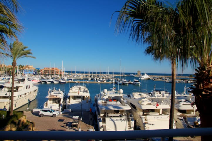 Penthouse In Sotogrande With Sea And Marina‎ views