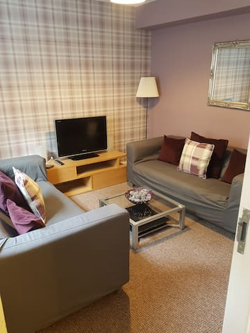 Dundee West/Central. 4 Bedroom Serviced Apartment.