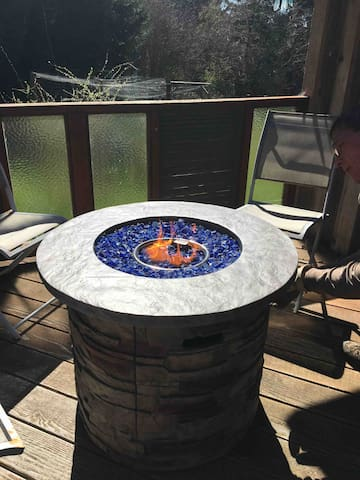 Newly added Fire table, provide a warm space to visit with a beverage in a cold evening or morning. Instructions for use in your welcome binder.