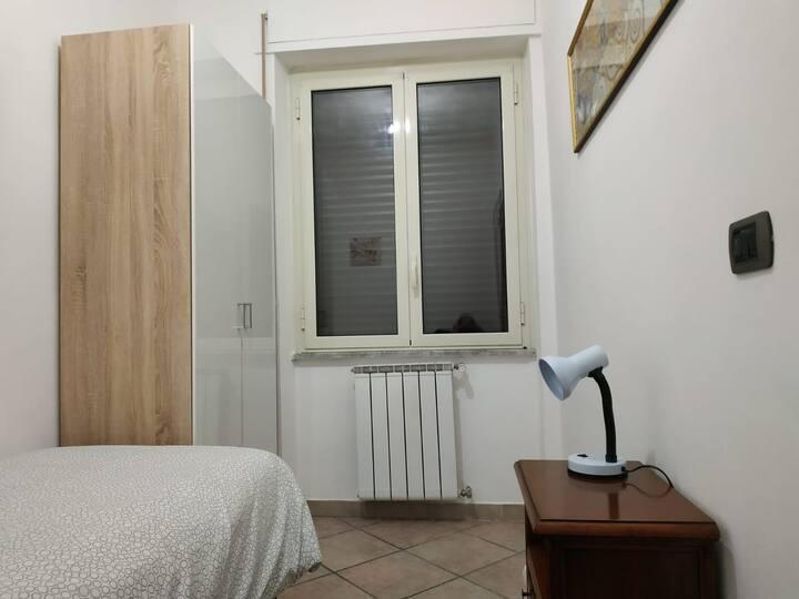 Camera Singola tra Roma e Ostia
