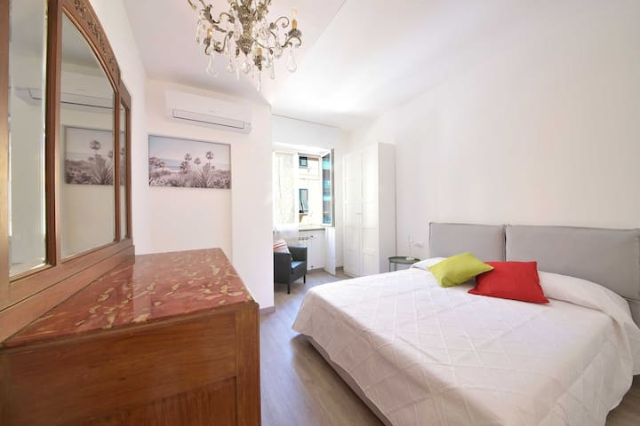 Casa Orchidea, stylish, walk to the beach.WI FI/AC