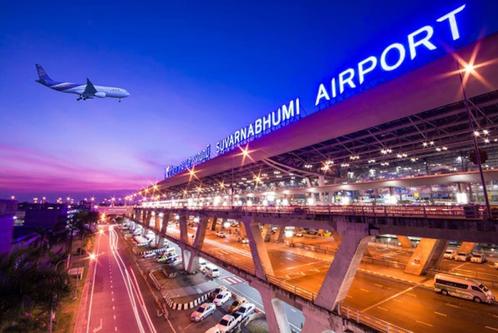 ★ Near Suvarnabhumi Airport (Bangkok Airport) only 5 Kilomates (5-10Mins by car). ★ Free Pickup Service from Suvarnabhumi Airport / Train (Airport Rail Link) 24 Hrs. ★ Suitable for people who have the flight early in the morning at Suvarnabhumi Airport. You can take a rest at here before travelling.