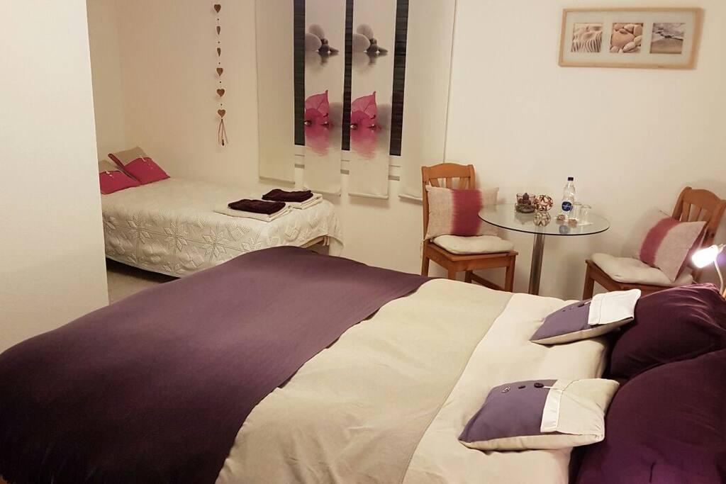 Zimmer 1 Sonne : für 1 bis 3 Personen Chambre 1 Soleil : pour 1 à 3 personnes