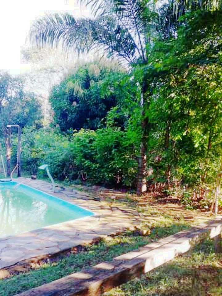 Descanse próximo a  Cachoeira do Itiquira.