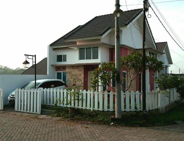 Homestay murah dan cantik di kota Malang  Batu