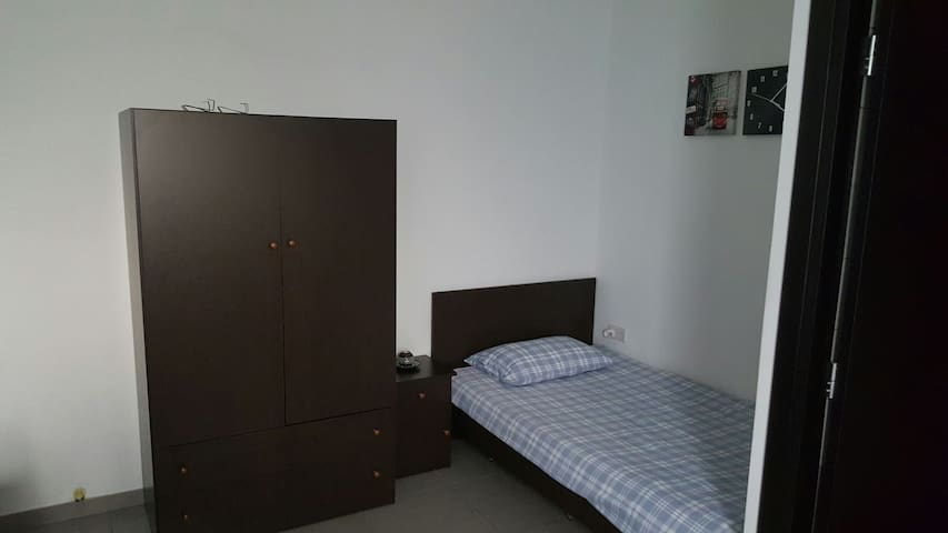 Modern Studio with free wifi in PRIME LOCATION - Limassol - Apartamento