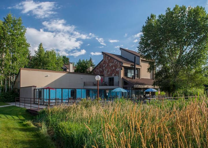 PLAN 2020 stay at a Park City condo that sleeps 8
