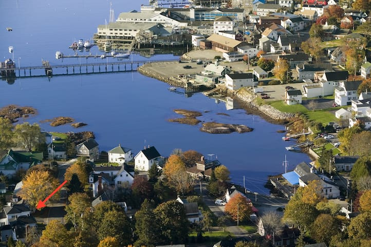 Cozy Boothbay Harbor Apartment in Historic House - Boothbay Harbor - Daire