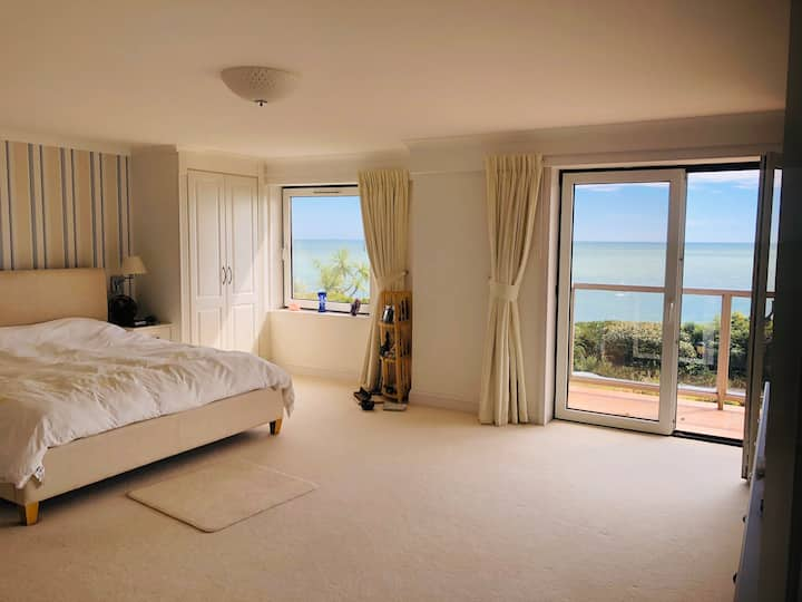 Beautiful Flat by the Sea