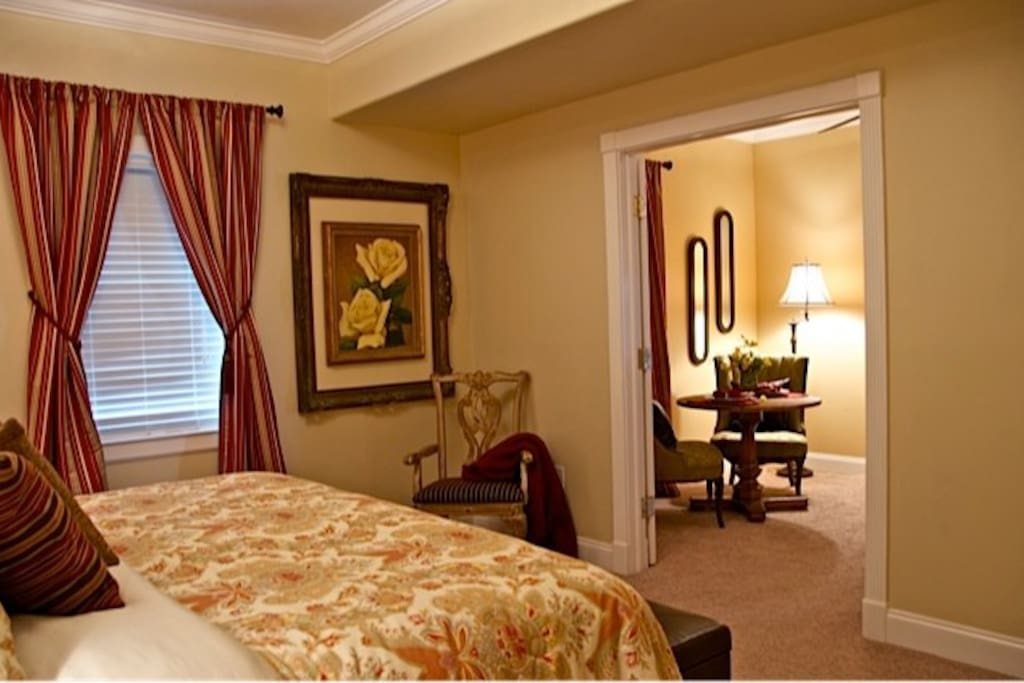 Texas Rose Suite