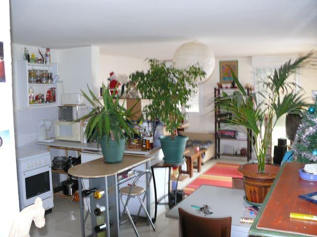 Chambre ,   3 places, proche mer et Collioure