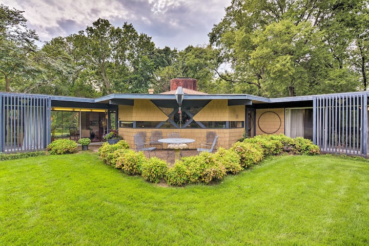 Secluded Architectural Gem on 8 Private Acres!
