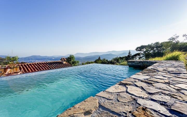 Relais Ponzano near Cinque Terre with pool