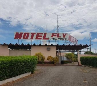 Motel Fly, aconchego, privacidade e segurança.