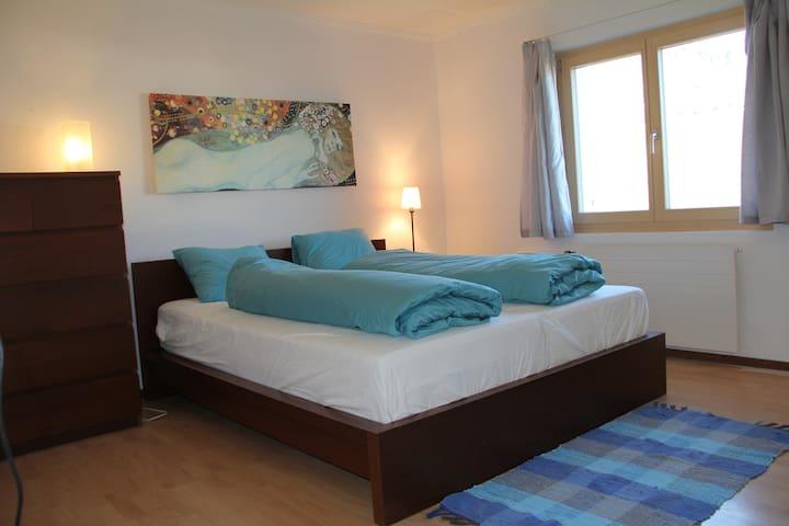 Sonnige Wohnung in Waltensburg - Waltensburg/Vuorz - Apartamento