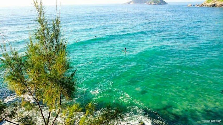 Próximo às mais belas praias do RJ. Prainha
